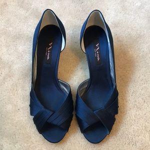 Navy Blue Heels 👠